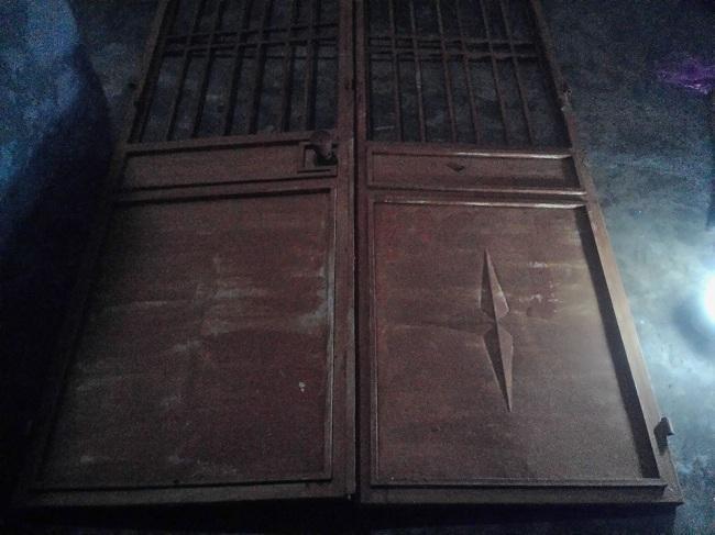 thu mua cửa sắt cửa cũ